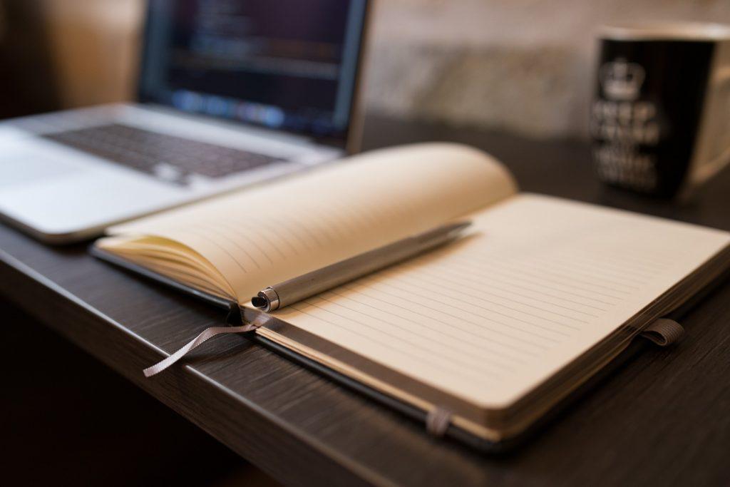 ¿Por qué deberías contratar la creación de contenido a un copywriter?