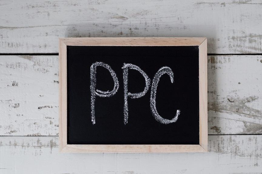 PPC escrito en pizarra